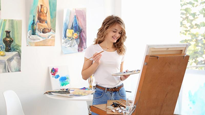 Joven artista femenina